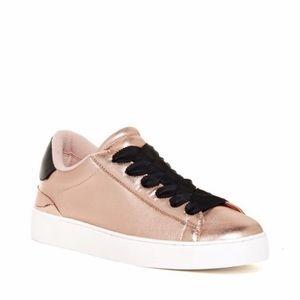 Nine West Sneaker Copper Leather 8.5